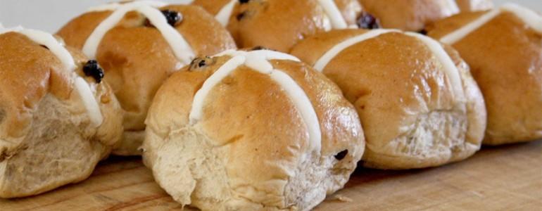 Easter Recipe: Hot Cross Bun & Marmalade Pudding